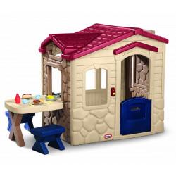 Picnic on the Patio playhouse